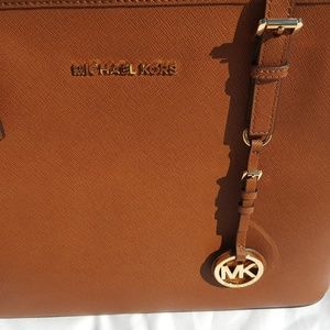 Michael Kors Jet Set Travel Saffiano Tote Luggage NWT
